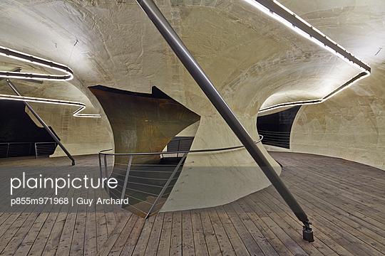 p855m971968 von Guy Archard