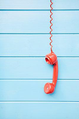 rotes Telefon - p464m1496355 von Elektrons 08