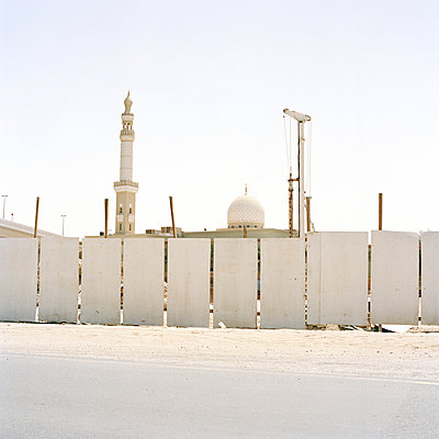 Mosque-of-Al-Barsha Dubaï United-Arab-Emirates - p1097m882197 von Mélanie Bahuon