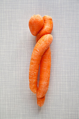 Verschlungene Karotten - p1021m1222022 von MORA