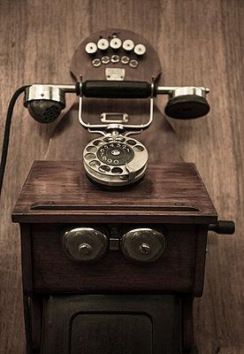 Altes Telefon - p1170m1090755 von Bjanka Kadic