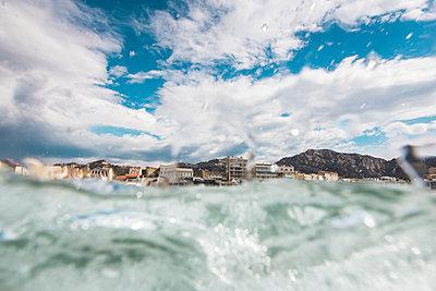 Seashore - p1290m1137618 by Fabien Courtitarat