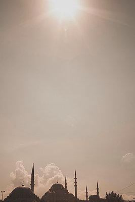 Istanbul Skyline - p798m894100 von Florian Loebermann