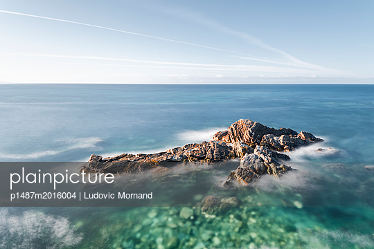 Long exposure in Norther Spain - p1487m2016004 by Ludovic Mornand