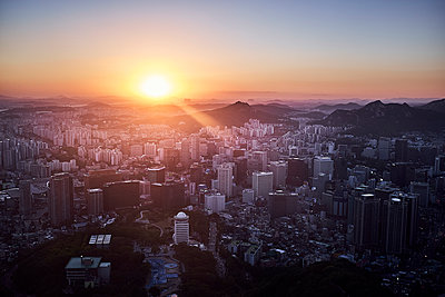 View over Seoul at sunset - p1492m2178697 by Leopold Fiala