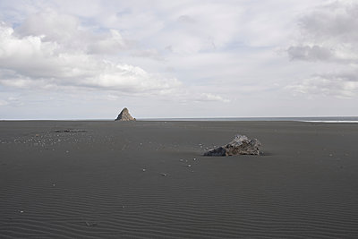 Karekare beach - p1369m2064747 by Chris Hooton