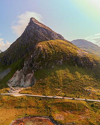 Norwegen, Landschaft in den Lofoten - p1549m2158060 von Sam Green