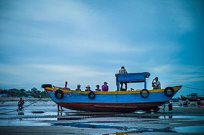 Fishing harbor in Mui Ne, Binh Thuan Province, Vietnam, Southeast Asia - p934m1177097 by Sebastien Loffler