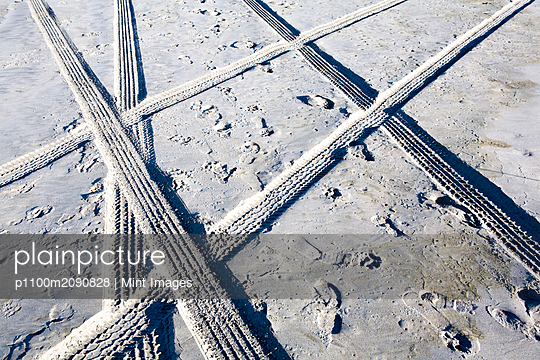 Tire Tracks and Footprints, Long Beach Peninsula, Washington - p1100m2090828 by Mint Images