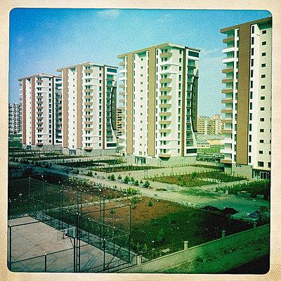 Social housing - p586m826404 by Kniel Synnatzschke