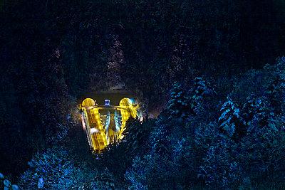 Nachtaufnahme, Túnel dels dos Valires - p534m2115756 von Susanna Ferran Vila