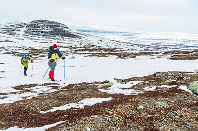 Women skiing - p312m1103893f by Fredrik Schlyter