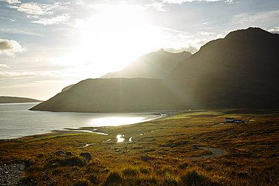 Blick auf Camasunary und die Cuillin Hills - p1145m1590884 von Kerstin Lakeberg
