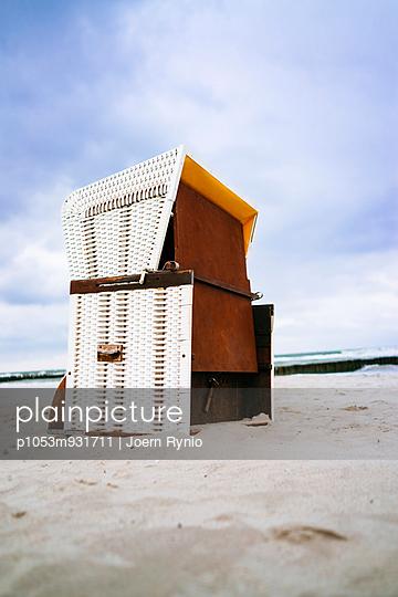 Strandkorb - p1053m931711 von Joern Rynio