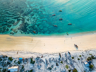 Indonesia, Lombok, Aerial view of beach - p300m2042692 by Konstantin Trubavin