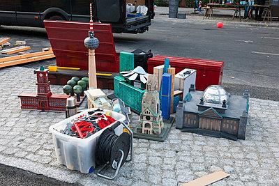 Street market - p627m1035415 by Christian Reister