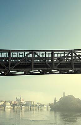 Passau mit Brücke - p1443m1503271 von SIMON SPITZNAGEL