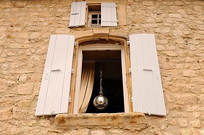 Mirror ball - p470m658626 by Ingrid Michel