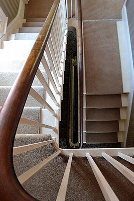 Treppenhaus - p1121m1572886 von Gail Symes