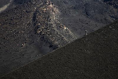 Mann auf dem Vulkan - p6280431 von Franco Cozzo