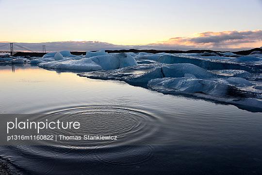 an der Jökulsa Gletscherlagune im Vatnajökull Nationalpark, Südisland, Island - p1316m1160822 von Thomas Stankiewicz
