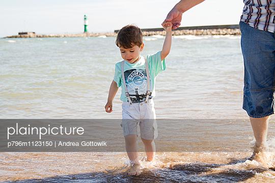 Am Meer - p796m1123150 von Andrea Gottowik