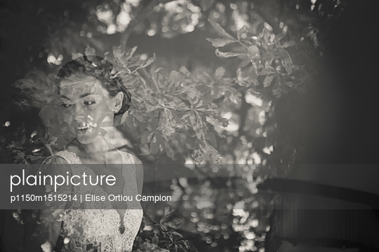 reflection of the bride - p1150m1515214 by Elise Ortiou Campion