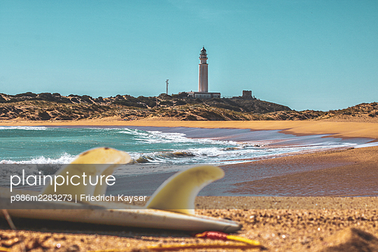 Spain, Andalusia, Los Caños de Meca, Lighthouse - p986m2283273 by Friedrich Kayser