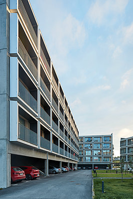 Residential building with parking space - p312m1472029 by Johan Alp