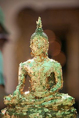 Buddhastatue - p7980174 von Florian Loebermann