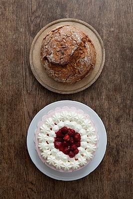 Sahnetorte oder Brot - p4541221 von Lubitz + Dorner