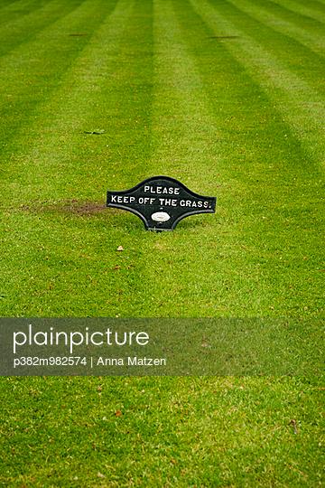 Englischer Rasen - p382m982574 von Anna Matzen