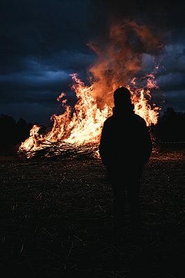Spring fire - p1549m2158040 von Sam Green