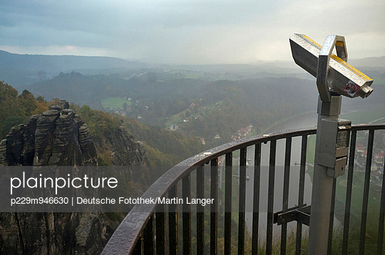 Viewpoint - p229m946630 by Martin Langer