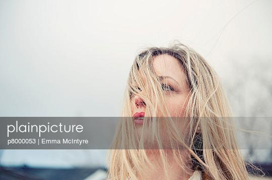 Zerzauste Haare - p8000053 von Emma McIntyre