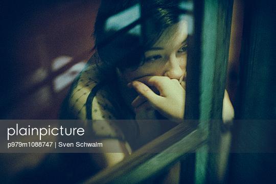 Suspicion - p979m1088747 by Sven Schwalm