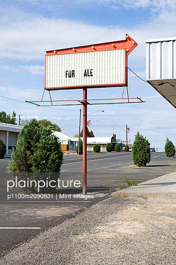For Sale Sign - p1100m2090831 by Mint Images