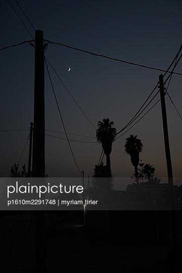 Night - p1610m2291748 by myriam tirler