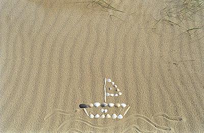 Beach - p1017m937890 by Roberto Manzotti
