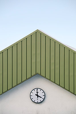 Germany, Thurinigia, Oberhof, Green gable with clock - p300m2213666 by Biederbick&Rumpf
