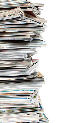 Close-up of magazines - p1094m1015440 by Patrick Strattner