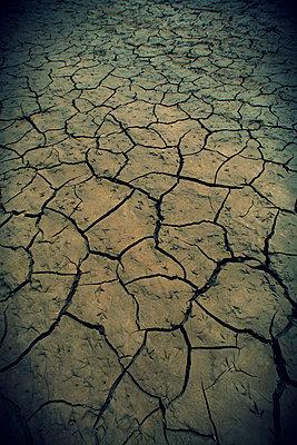 Drought - p1028m1031094 by Jean Marmeisse