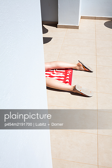 Stretched out  - p454m2191700 by Lubitz + Dorner