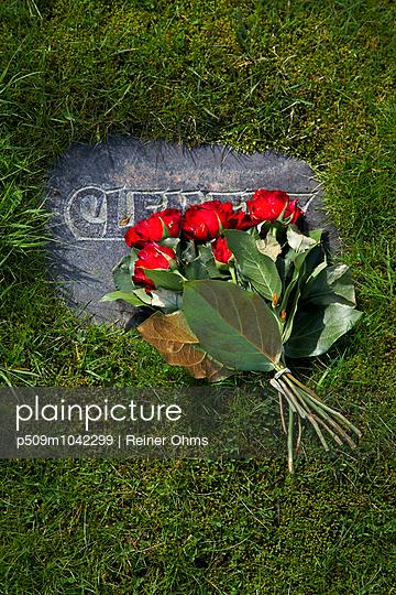 Gedenken - p509m1042299 von Reiner Ohms