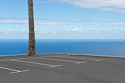 Parkplatz in Spanien - p342m1165719 von Thorsten Marquardt