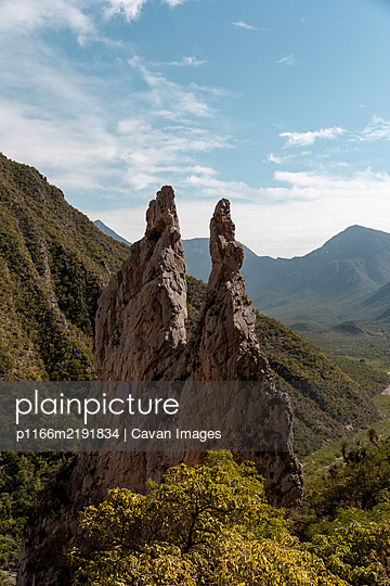 spires in the mountains of Potrero Chico a rock climbing destination - p1166m2191834 by Cavan Images