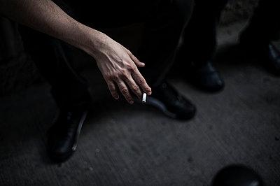 Cigarette - p1007m959859 by Tilby Vattard