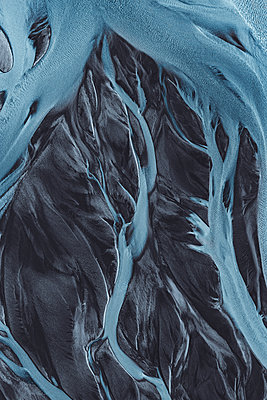 Glacial river as seen from above - p1634m2210337 by Dani Guindo