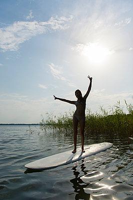 Sommerferien, Stolzenhagener See - p949m929327 von Frauke Schumann