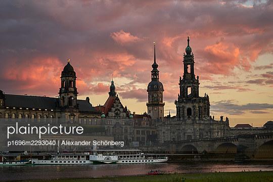 Dresden - p1696m2293040 by Alexander Schönberg